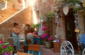Luca Courtyard 1